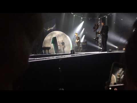 Shawn Mendes - Ruin (BBC Radio 1 Teen Awards 2016)