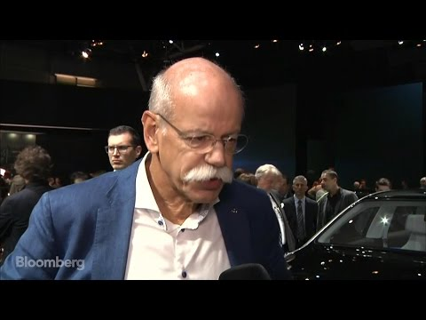 Zetsche: Mercedes Wants to Lead in Electric Cars by 2025
