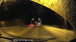 Pimeydessä välähtää - poliisiauton kamera - ylinopeus