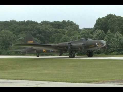 2010 New Garden Airshow - B-17 Flying Fortress