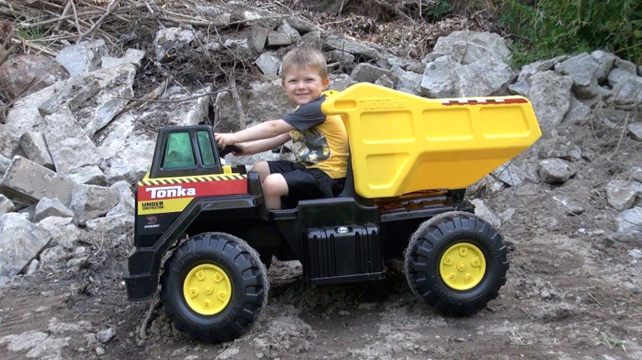 Garbage Truck Power Wheels : The tonka v mighty dump truck youtube