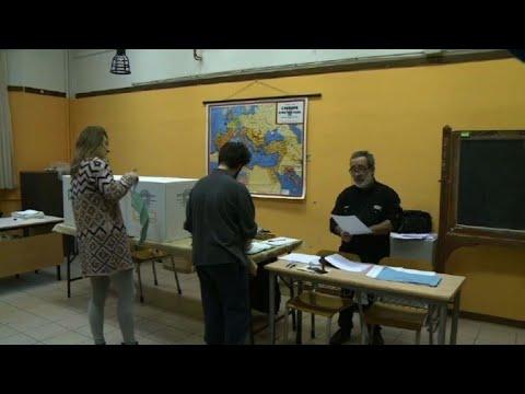 Italie: ouverture des bureaux de vote youtube