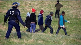 'Like living in hell'  Calais police abuse migrants on daily basis, HRW claims