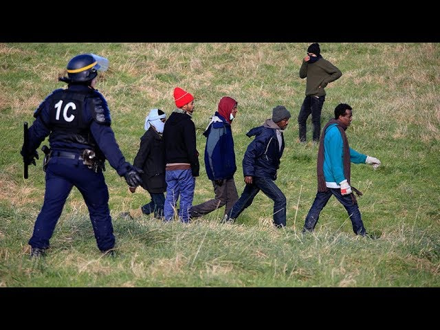 'Like living in hell': Calais police abuse migrants on daily basis, HRW claims
