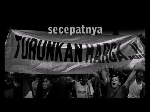 Iwan Fals-Manusia Setengah Dewa (New Clip)