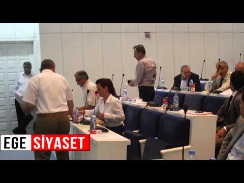 Karabağlar'da Ak Parti Belediye Meclisini Terk Etti