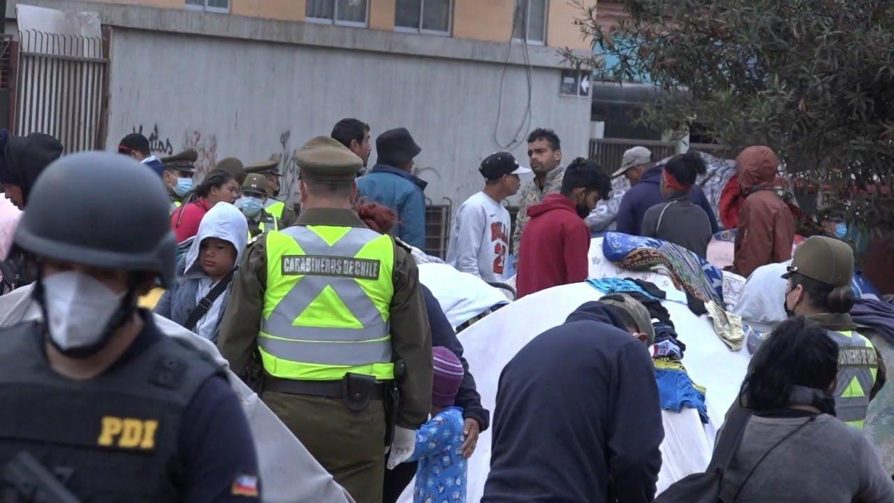 Download Crisis migratoria en el norte: Desalojan a venezolanos de plaza de Iquique