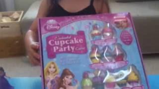 (美國玩具介紹)迪士尼公主杯子蛋糕玩具組 Disney Princess Enchanted Cupcake Party Game