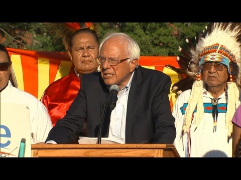 Bernie Sanders urges Obama to halt Dakota Access Pipeline