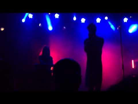Trust - Shoom (Live in Rome)