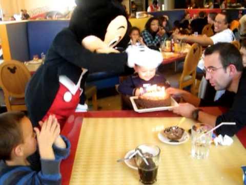 anniversaire au cafe de mickey
