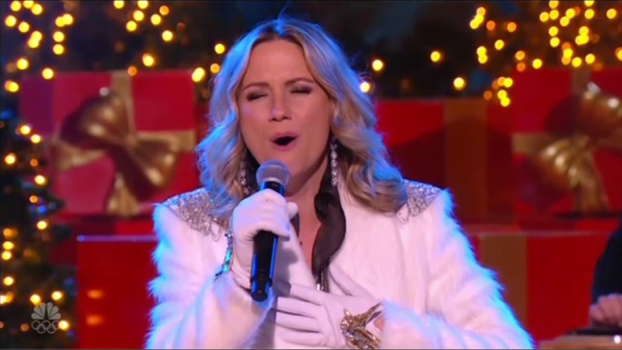 Jennifer Nettles - Celebrate me home | Rockefeller Center Christmas ...