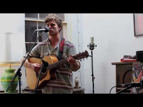 Vance Joy - Snaggletooth (Live)