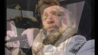 Watch Waylon Jennings Pickin White Gold video