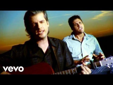 Victor & Leo - Nada es Normal (Nada Normal (Sitio version of video)))