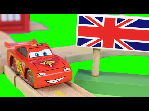Disney Pixar Cars 2 London Figure 8 Wood Collection With Wooden Tracks Lightning McQueen Mater Mack