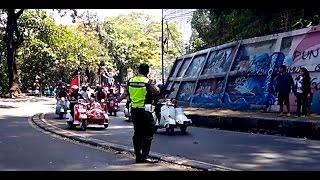 vespa touring indonesia polisi takut saat di hampiri ribuan vespa