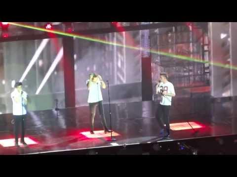 Rock Me - One Direction Hamburg 12/5/13