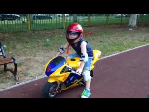 Biker baby 4 years. Ребёнок байкер в 4 года.