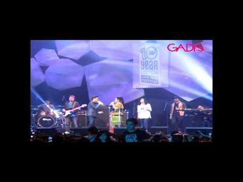 Afgan feat. Vina Panduwinata - Biru (Live at Java Jazz Festival 2014)