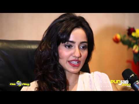 Punjab2000.com interview with Neha Sharma on the sets of YPD2 by Akshay Sharma