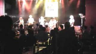 "Super Loose Socks performed ""19 Growing Up"" in Tokyo Band Jiman 200..."