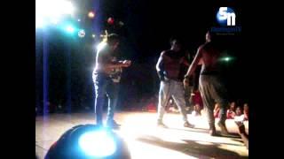 Os 3 dançando em Cabinda