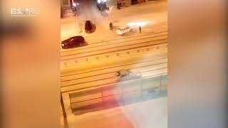 Водители не справляются с управлением на нечищеных дорогах в Екатеринбурге