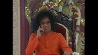 BHAGAWAN SRI SATHYA SAI BABA BHAJANS SANG IN THE DIVINE PRESENCE