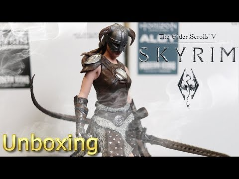 Modern Icons Female Dragonborn Statue from ThinkGeek Unboxing