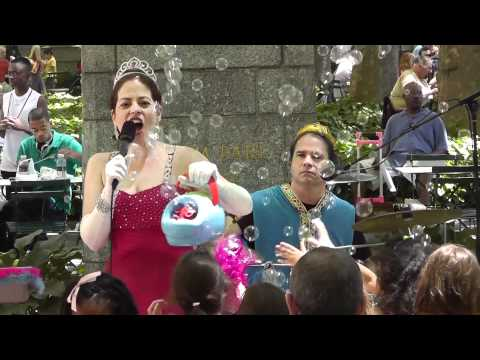 Moey's Music Party - Princess Rock Star Live in NYC (Kid's Music Video)