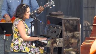 Norah Jones - Flipside (Newport Jazz Festival)