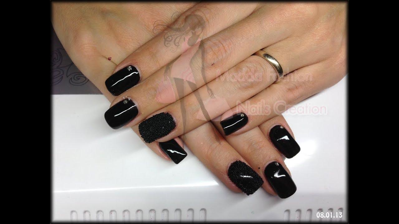 unghie gel colore nero