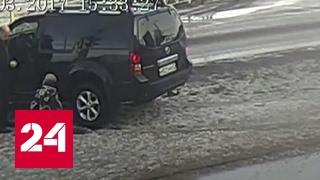 Бизнесмен наехал на ребенка: водитель сбил мальчика бампером и поставил на колени