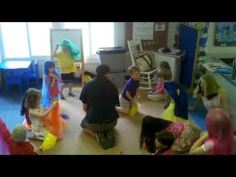 Rockville Community Nursery School music play
