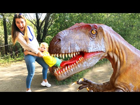 Lev And Gleb With Mom Found Lost Dinosaur The Best Of Dinosaurs In Jurassic World Park