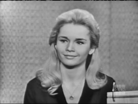What's My Line? - Tuesday Weld; Dana Andrews [panel]; Johnny Carson [panel] (Jan 14, 1962)
