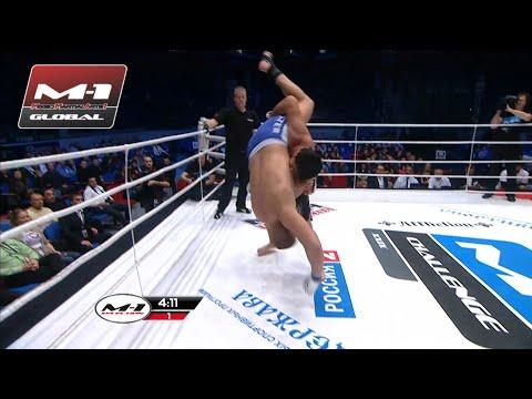 Двухметрового гиганта с размаху бросили на ринг! Битва тяжеловесов! Смолдарев vs Сафаров!