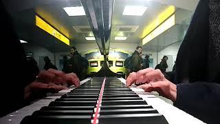 好きなピアニスターの真似をしようと試みたものですが、技術的な難易度...