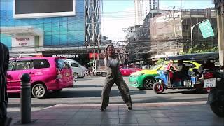 JOGED AISYAH JATUH CINTA DIBANGKOK! [Dance In Public Challenge]