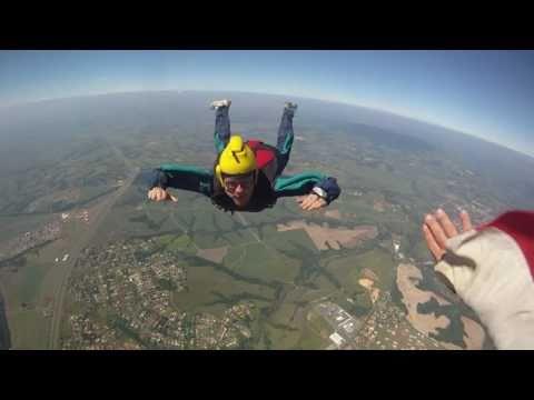 Curso de Paraquedismo no Rio de Janeiro (Paraquedismo Carioca) de YouTube · Duração:  7 minutos 28 segundos