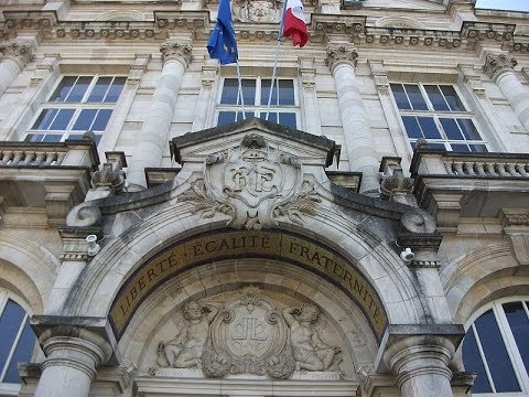 Places to see in ( Limoges - France ) Hotel de Ville