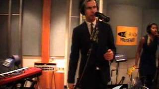 """Fitz and The Tantrums performing """"Pickin"""