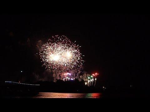Disney's Polynesian Resort Fun   Trader Sam's, Beach Fireworks & DVC Room Tour!