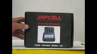 Зарядний пристрій для акумуляторів типу АА і ААА