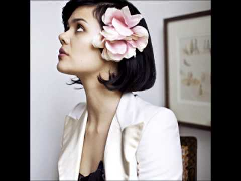 Bat For Lashes - Laura (Official Instrumental)