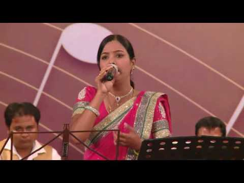 Seema Mishra Live Performance!!! Yeh Zindagi Usi Ki Hai 2015