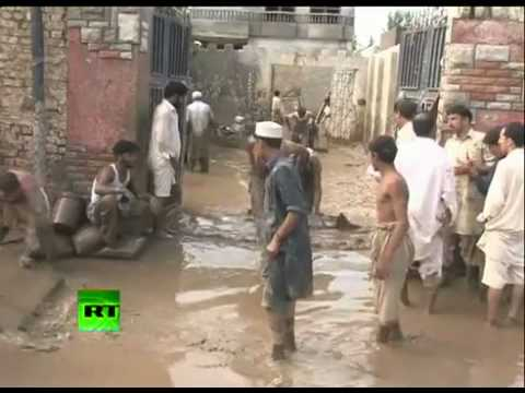 Pakistan Flood 2010 - 1000's Killed in Deadly Pakistan Flood