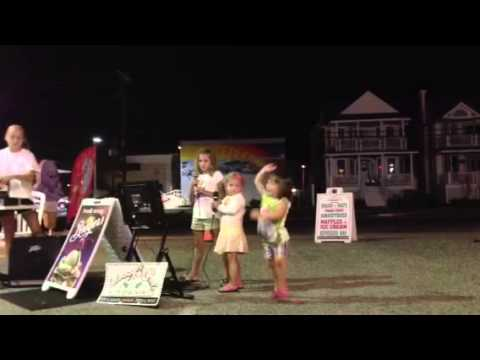 Alyssa & Haley Karaoke 8.20.13