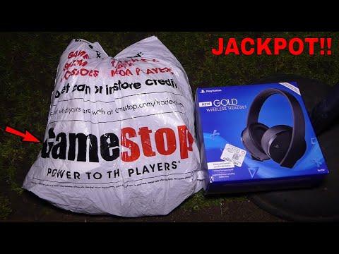 GAMESTOP DUMPSTER JACKPOT!!! Dumpster Diving Gamestop Night #475